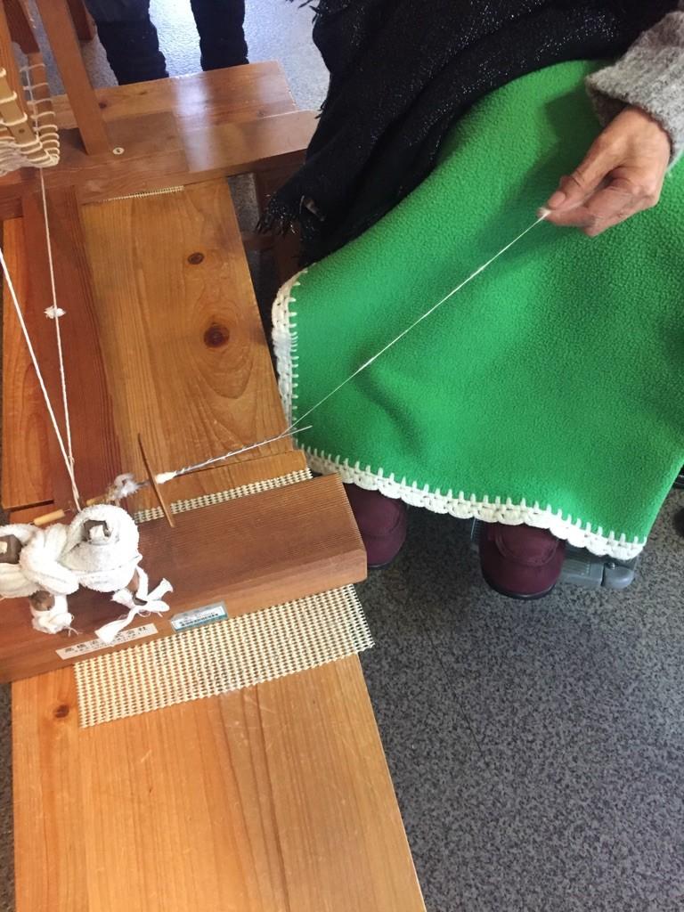 大先輩の糸紡ぎ